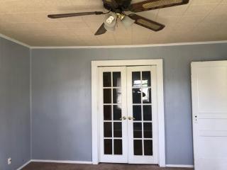 400 W Denison Ave, Bonham, TX 75418