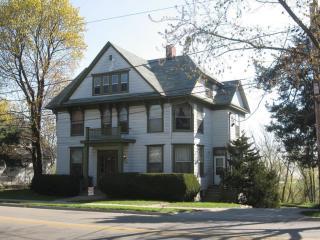 443 N Sheridan Rd #3, Waukegan, IL 60085