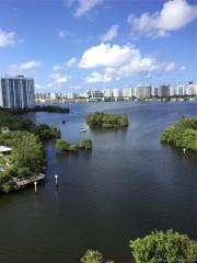 16385 Biscayne Blvd #1115, North Miami Beach, FL 33160