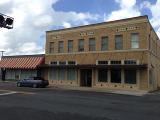 301 S Collins St #201, Plant City, FL 33563