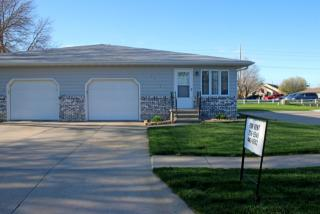 2015 W 38th St, Kearney, NE 68845