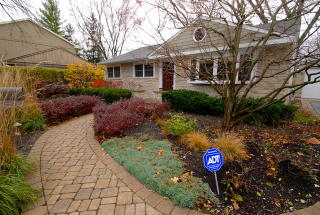 30385 N East End Ave, Libertyville, IL 60048