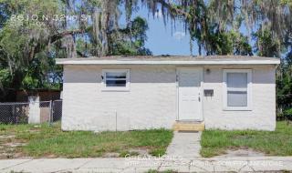 2610 N 32nd St, Tampa, FL 33605