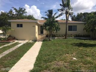 805 NE 138th St #1, North Miami, FL 33161