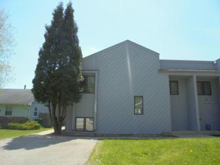 3689 Grandview Ave, Gurnee, IL 60031