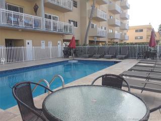 3601 NE 170th St #507, North Miami Beach, FL 33160