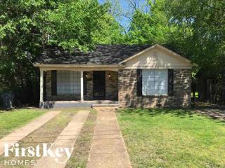 1492 Oaklawn St, Memphis, TN 38114