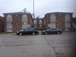 809 W Greenwood Ave, Waukegan, IL 60087