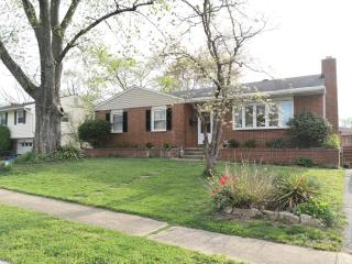 2109 Folkstone Rd, Lutherville Timonium, MD 21093