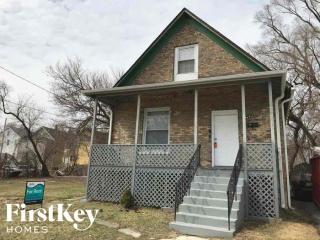 542 Oak St, Waukegan, IL 60085