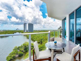 17111 Biscayne Blvd #1004, North Miami Beach, FL 33160