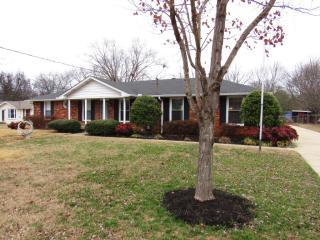 153 Gates Dr, Hendersonville, TN 37075