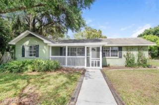 9315 Forest Hills Dr, Tampa, FL 33612