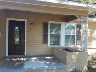 602 Oldham St, Bonham, TX 75418