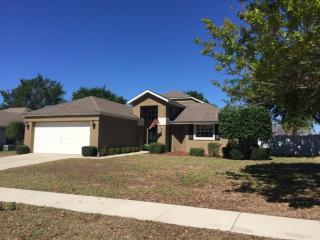 4960 Treasure Cay Rd, Tavares, FL 32778