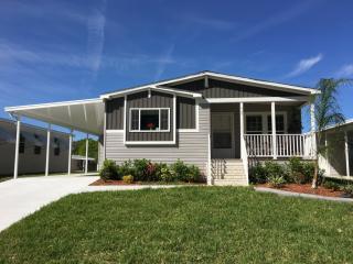3145 Bending Oak Dr, Plant City, FL 33563