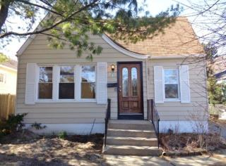 216 S Elmwood Ave, Waukegan, IL 60085