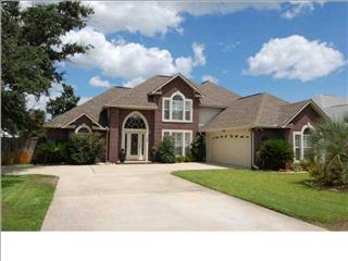 1756 Brooke Beach Dr Navarre Fl 32566 4 Bed 3 Bath Single