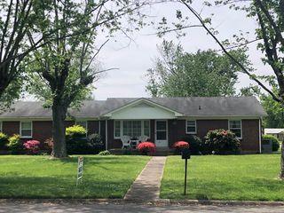 601 5th St, Lawrenceburg, TN 38464