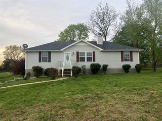 8742 Cedar Grove Rd, Cross Plains, TN 37049