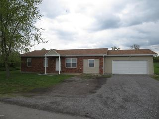 10623 Champaign Rd, Johnston City, IL 62951