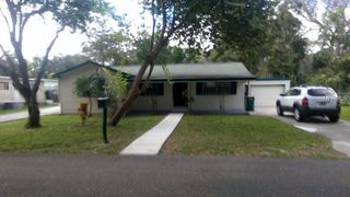 903 Maplewood St, Tavares, FL 32778