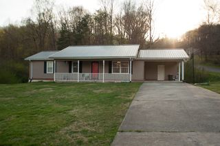 610 Dogleg Dr, Livingston, TN 38570
