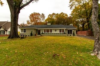4200 Oaksedge Dr, Memphis, TN 38117