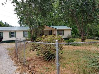 303 Circle Dr, Roanoke, AL 36274