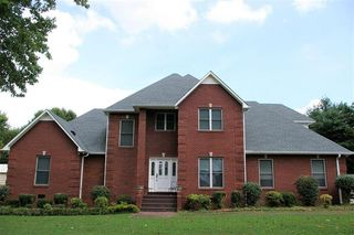 2801 Holders Cove Rd, Winchester, TN 37398