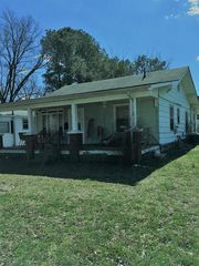 61 Warren St, Paris, TN 38242