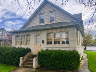 1119 Wadsworth Ave, North Chicago, IL 60064