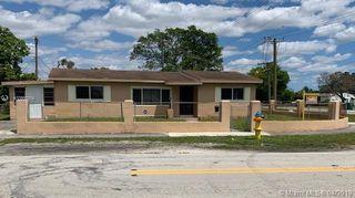 701 NW 179th St, Miami Gardens, FL 33169