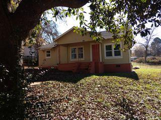 1011 Reed St, Roanoke, AL 36274