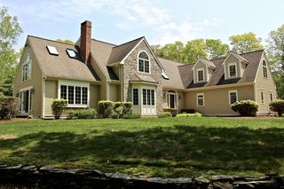 15 Tower Hill Dr, East Bridgewater, MA 02333