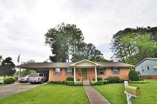 920 Eisenhower Dr Tupelo Ms 38801 2 Bath Single Family Home Trulia
