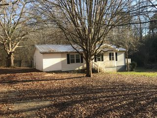858 Old Airport Rd, Commerce, GA 30530