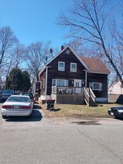 75 Massasoit Ave, Brockton, MA 02302
