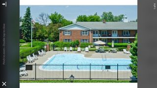 2814 Dundee Rd, Northbrook, IL 60062