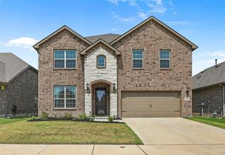 2449 Flowing Springs Dr, Fort Worth, TX 76177