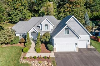 209 Red Oak Dr, Mcmurray, PA 15317