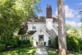 17 Barclay Rd, Scarsdale, NY 10583