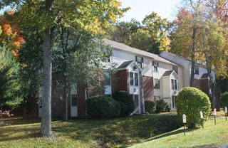 131 Ridgefield Dr, Middletown, CT 06457