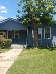 1405 E Morphy St, Fort Worth, TX 76104