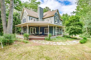 41 Chestnut St, Old Orchard Beach, ME 04064