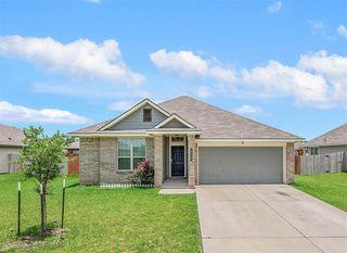 830 Mockingbird St, Navasota, TX 77868