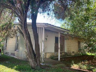 2909 Wildwood St, Victoria, TX 77901