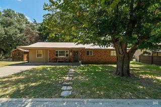 312 Woodlawn Dr, Comanche, TX 76442