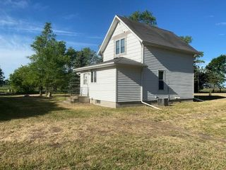 36145 Harvest Ave, Belview, MN 56214