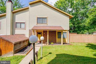 5691 Summer Oak Way, Burke, VA 22015